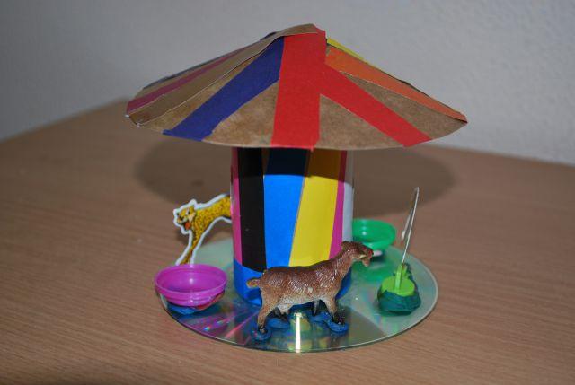 Дом своими руками из бросового материала 50