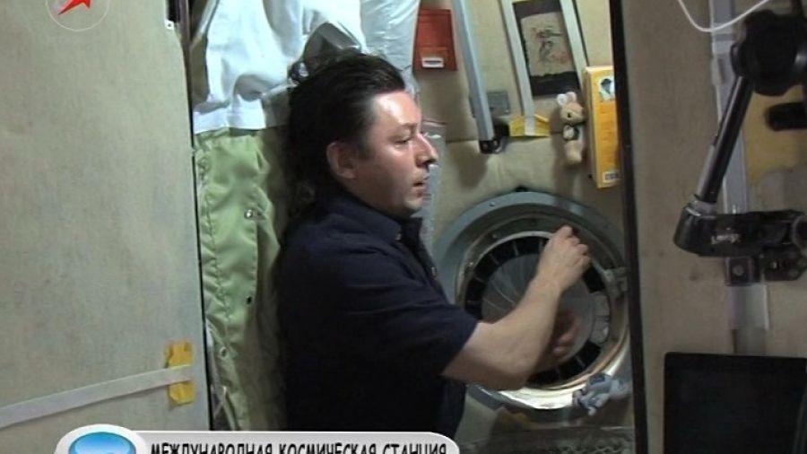 Выключают ли космонавты свет, когда ложатся спать?