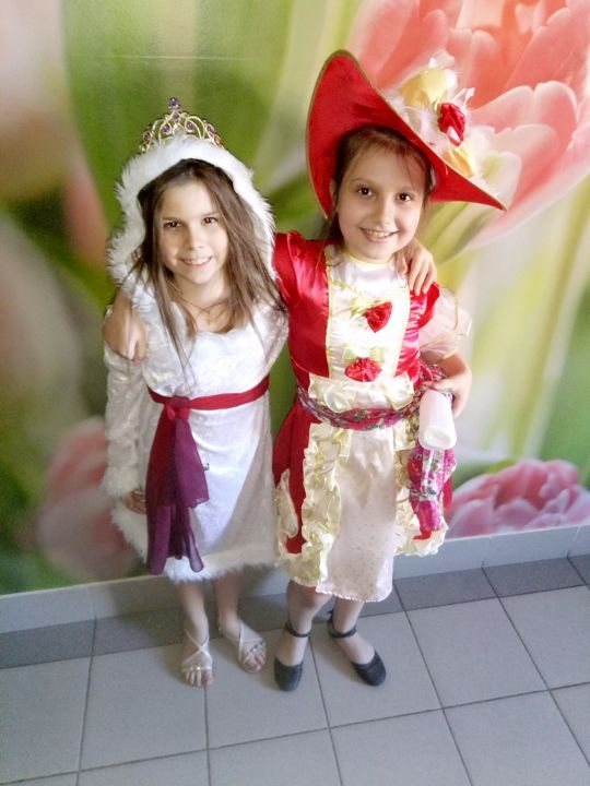 Дарья и Рита Евгеньевна и Александровна Кожушко и Сальникова