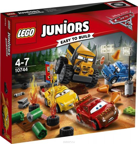LEGO Juniors Конструктор Гонка Сумасшедшая восьмерка 10744