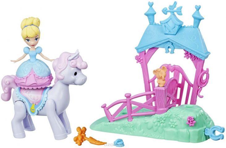 Disney Princess Игровой набор Cinderella's Pony Ride Stable
